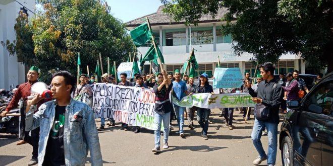 Keren! Cuma HMI yang Berani Demo Jokowi