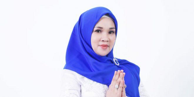 Pilkades Sukaluyu Menghangat, Lina Herlina Sosialisasi Door to Door
