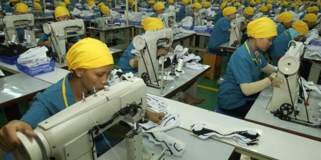 Hore Naik Lagi, Kini Gaji Buruh Karawang Hampir Rp 5 Juta per Bulan